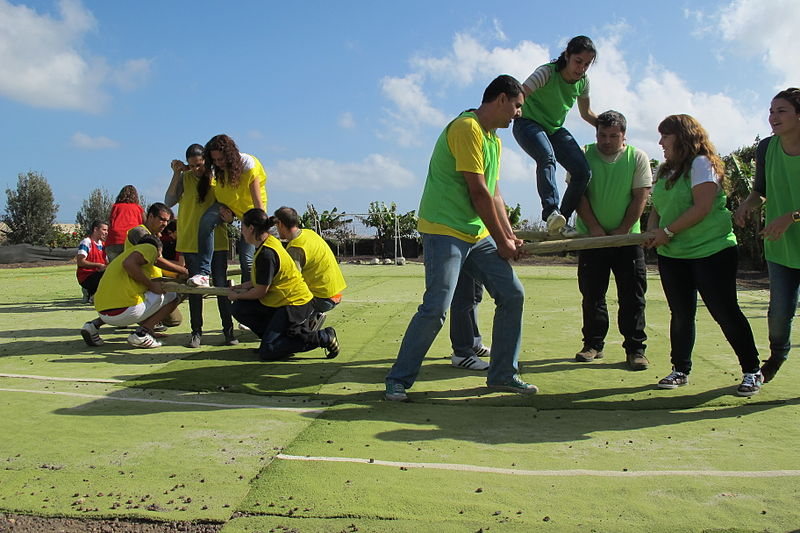 800px-Team_Building_Lanzarote